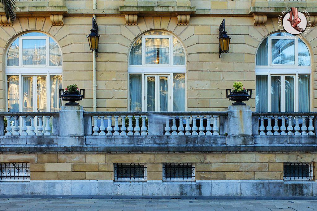 Agujeros fachadas edificios San Sebastián