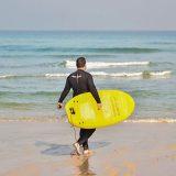 Aprender a hacer surf en el Art Surf Camp de Galicia