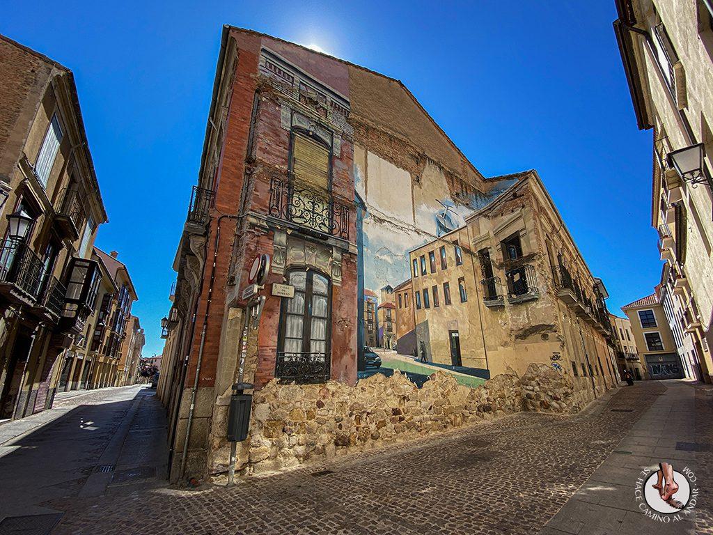 Arte urbano Zamora fachada trampantojo