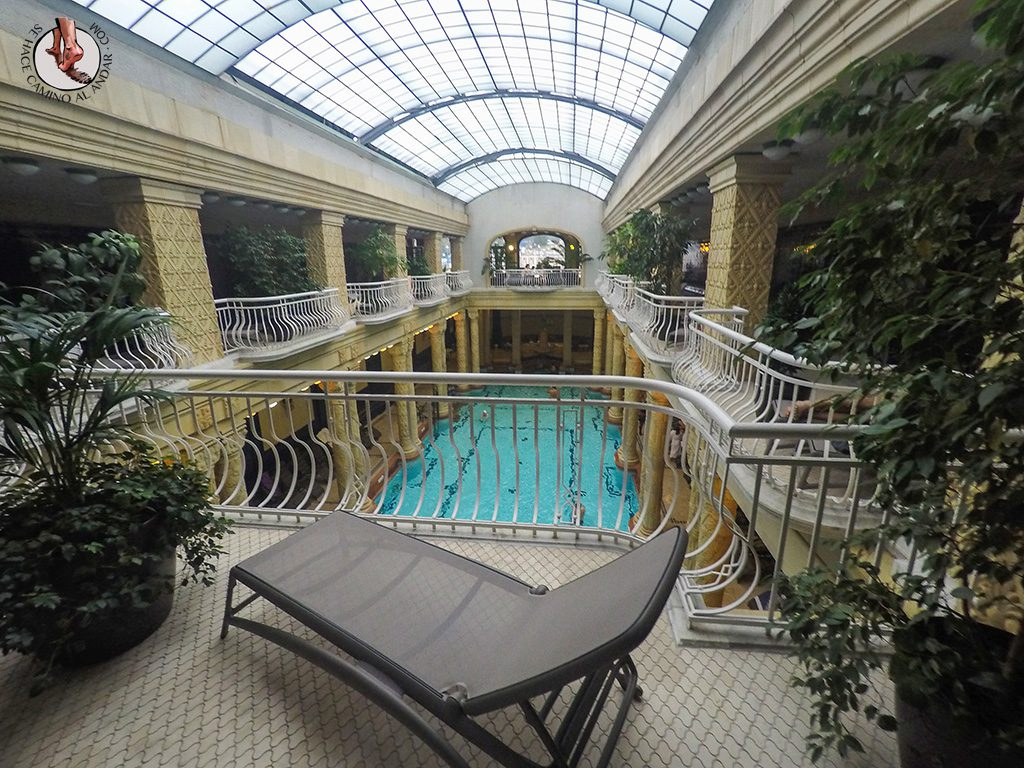 Balnearios-de-Budapest-Gellert-hamaca