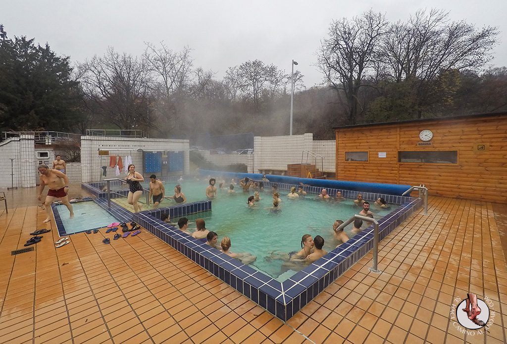 Balnearios-de-Budapest-Gellert-piscina-exterior