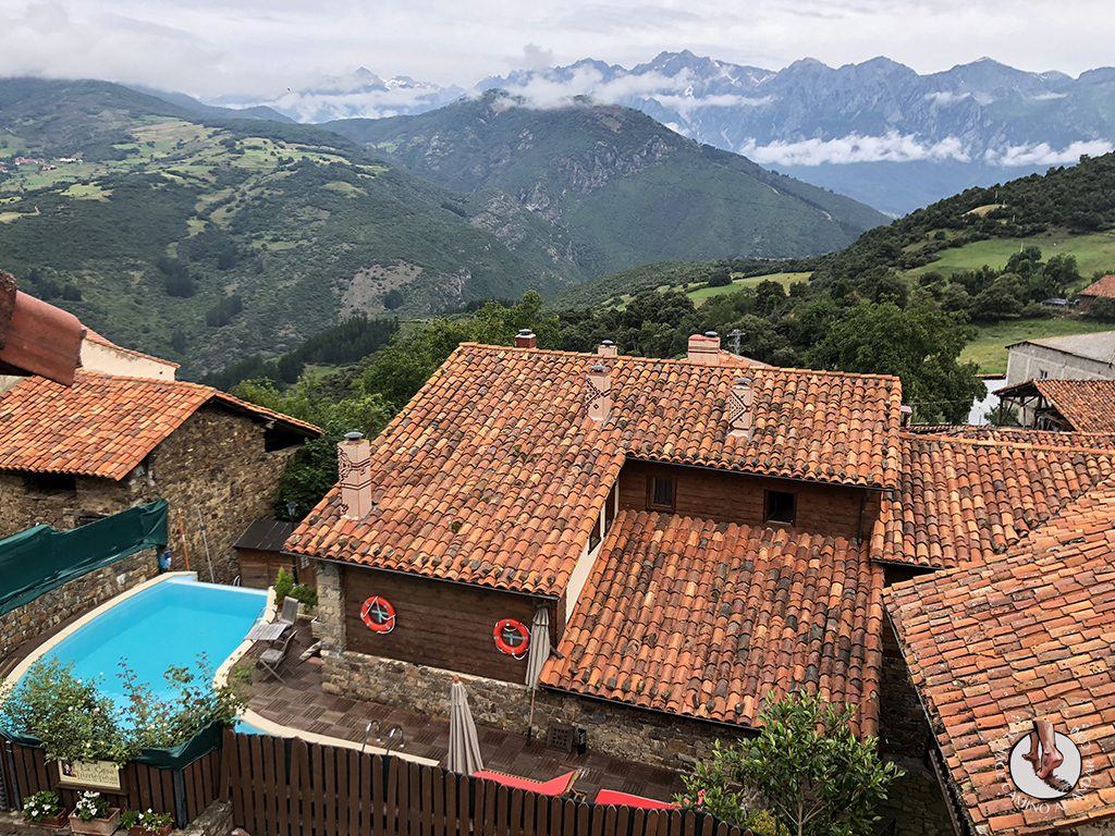 Casa Rural las Chimeneas Tudes piscina Picos Europa