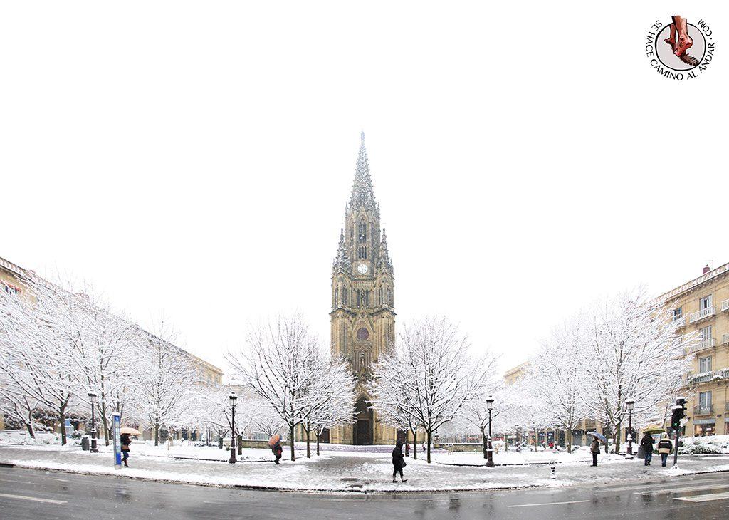 Catedral Buen Pastor nieve