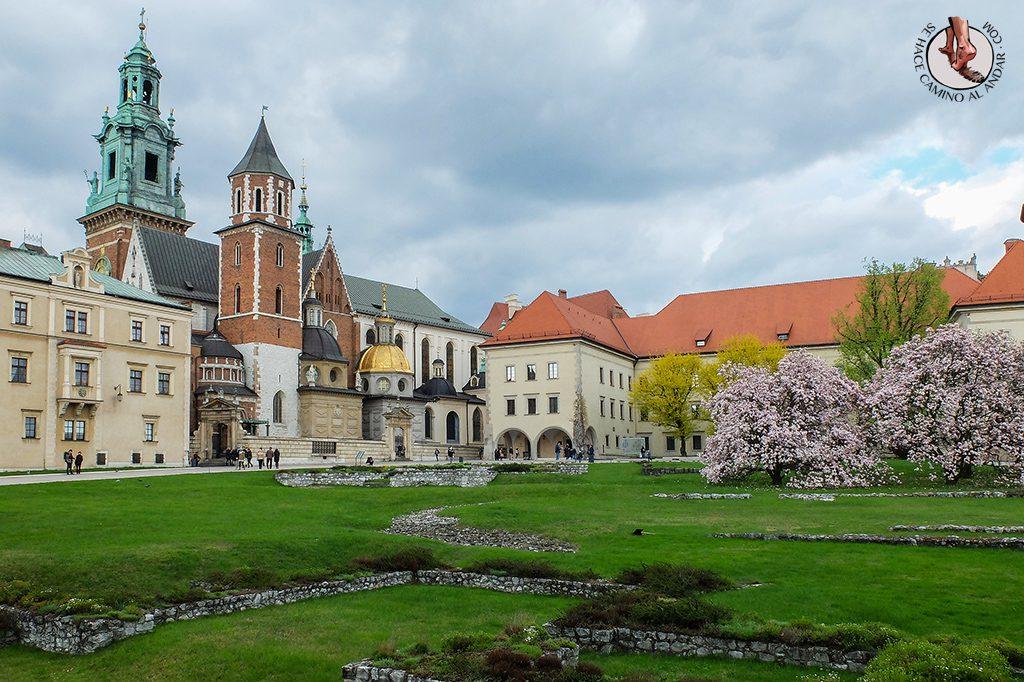 Catedral Wawel jardines Cracovia