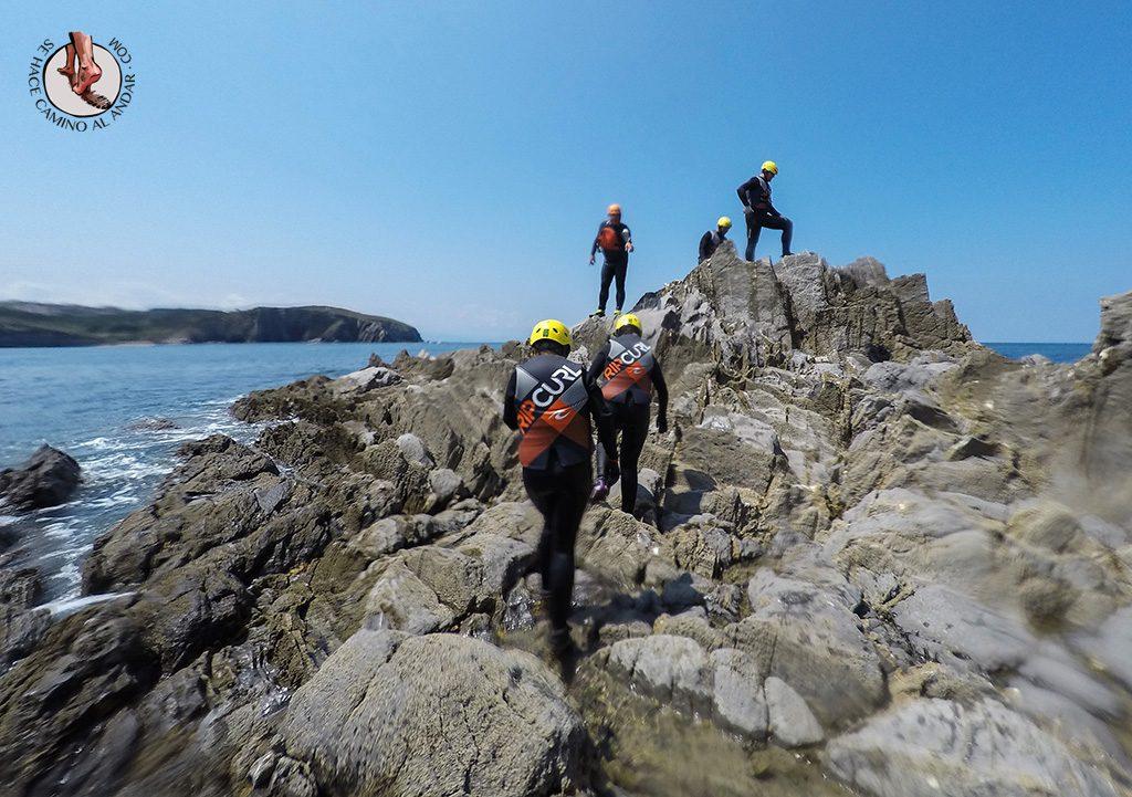Coasteering Euskadi rocas