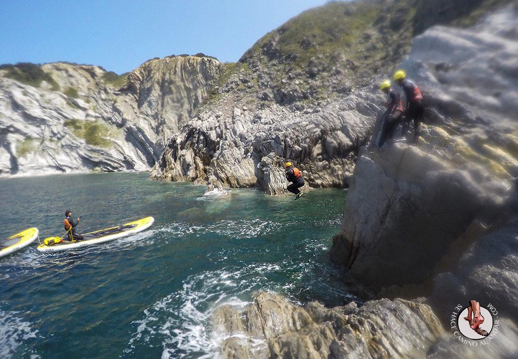 Coasteering Gorliz salto