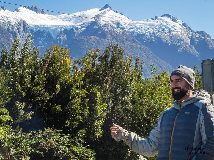 Dedo en la carretera Autral, Chile
