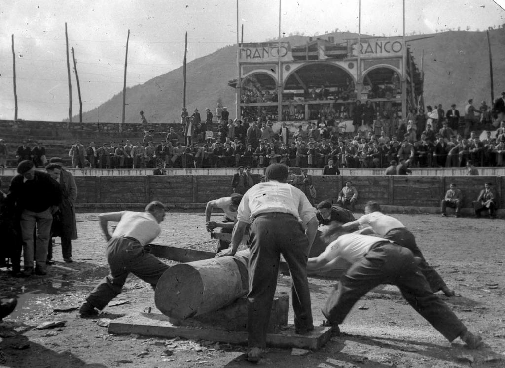 Deportes rurales vascos Herri Kirolak trontza sierra