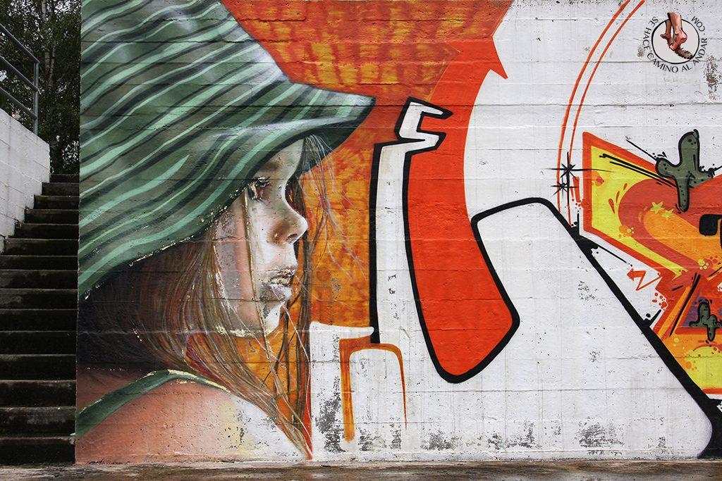 Dizebi graffitero Goierri Ordizia nina sombrero