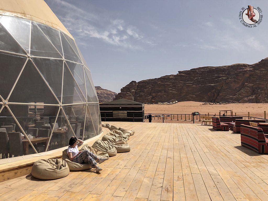 Dormir en el desierto de Jordania haima comedor