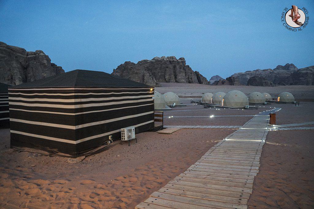 Dormir en el desierto de Jordania haima