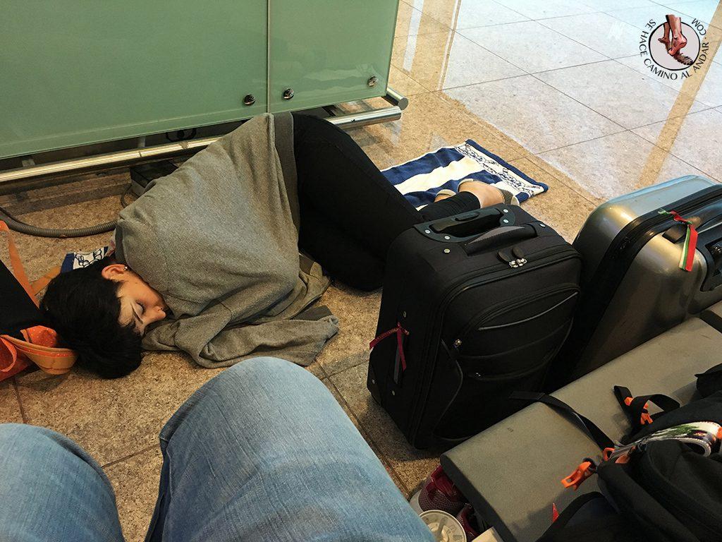 Dormir suelo aeropuerto Barcelona