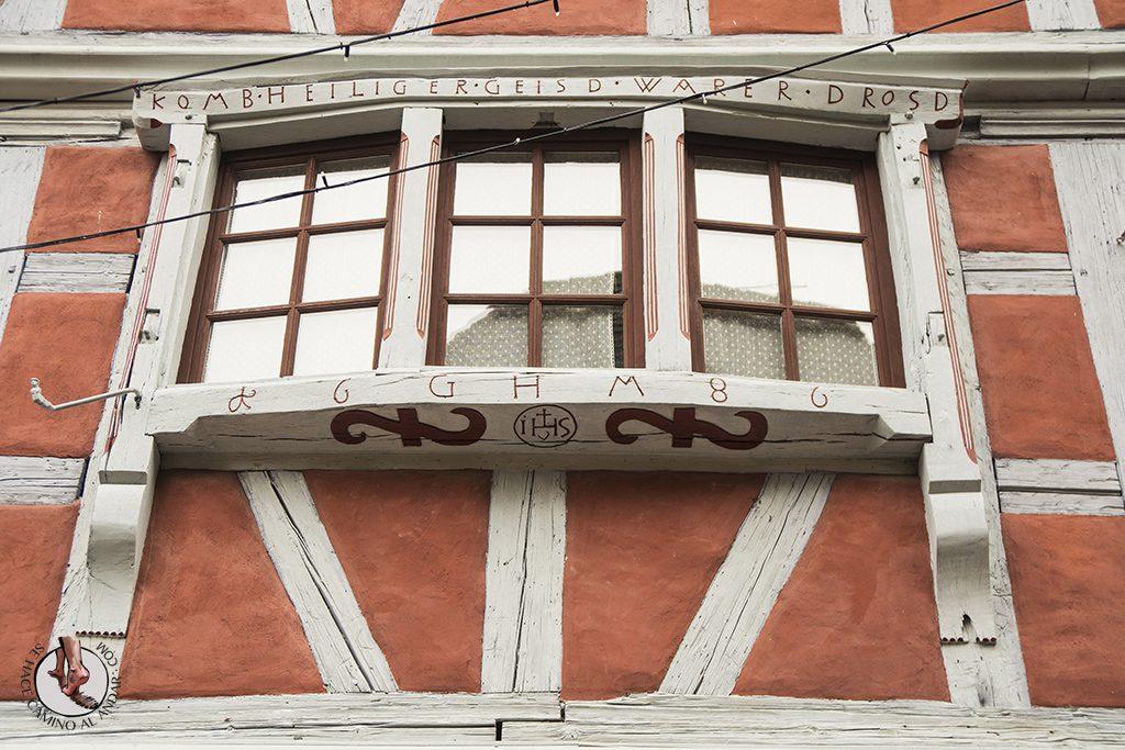 Eguisheim fachada inscripciones