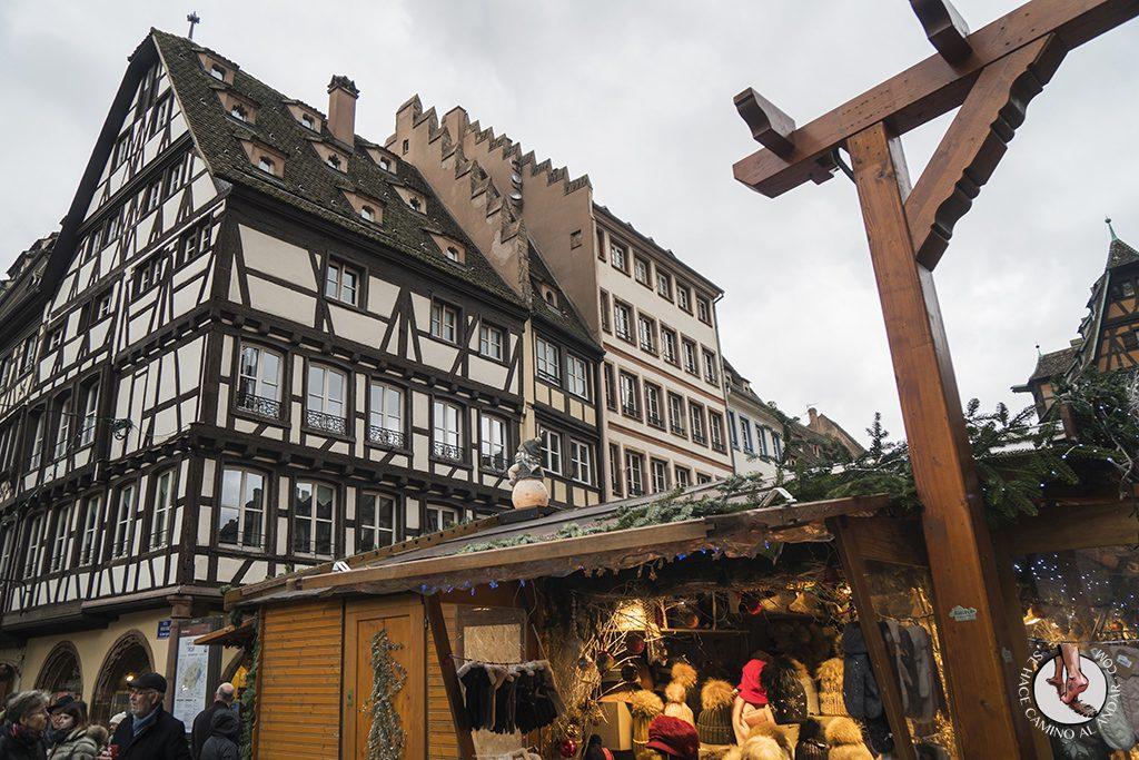 Estrasburgo mercado Christkindelsmarik edificios