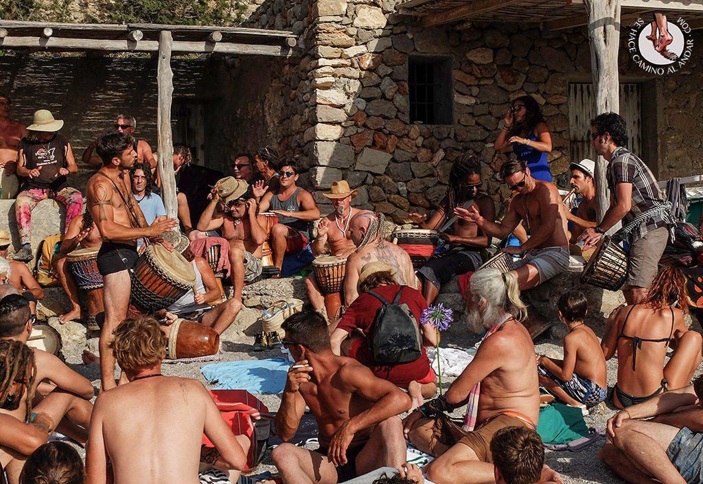 Fiesta tambores playa Benirras Ibiza