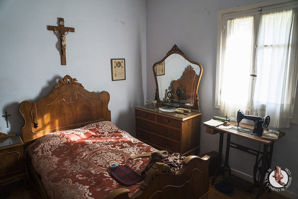 Legazpi Vivienda obrera dormitorio