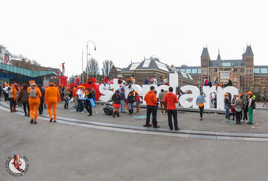 Letras Amsterdam museumplein Queen day