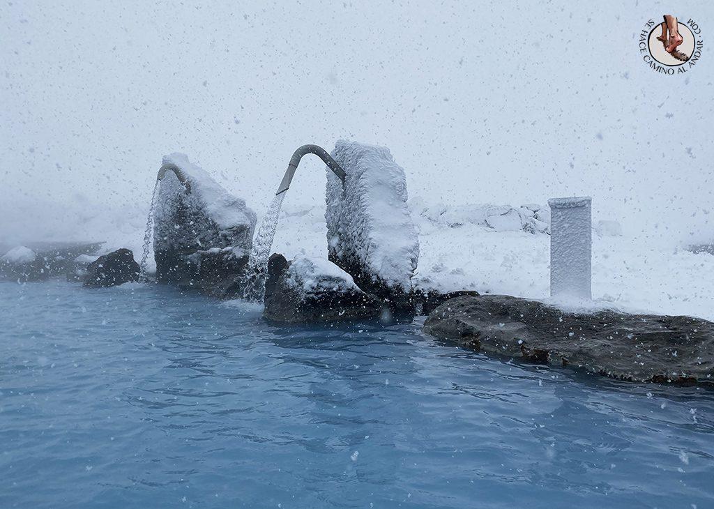 SPA geotermal Myvatn Nature Baths chorro nieve