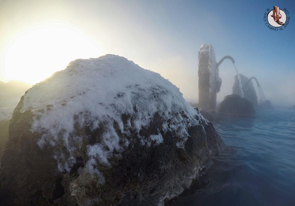SPA geotermal Myvatn Nature Baths chorro piedra