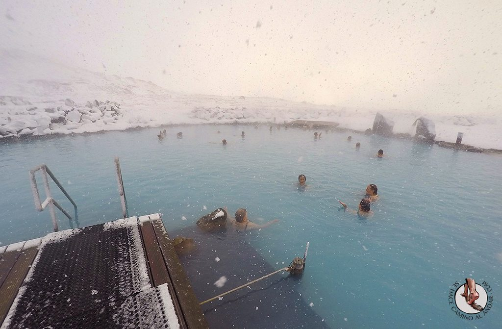 Myvatn Nature Baths lago nevando