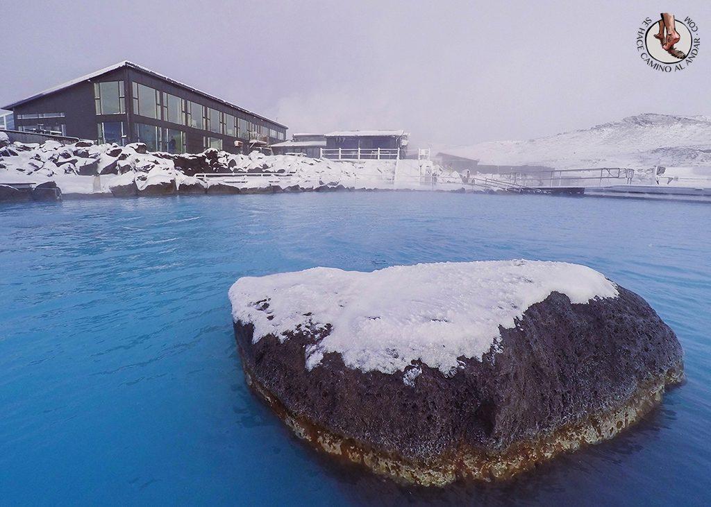 Myvatn Nature Baths piedra nieve