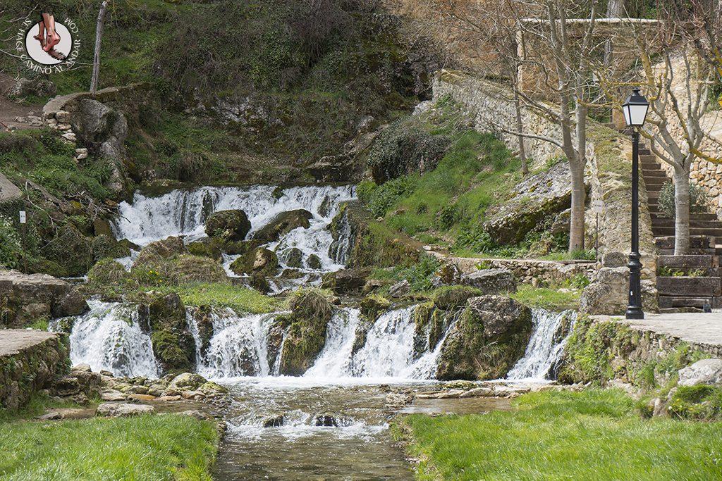Orbaneja del Castillo cascada pueblo
