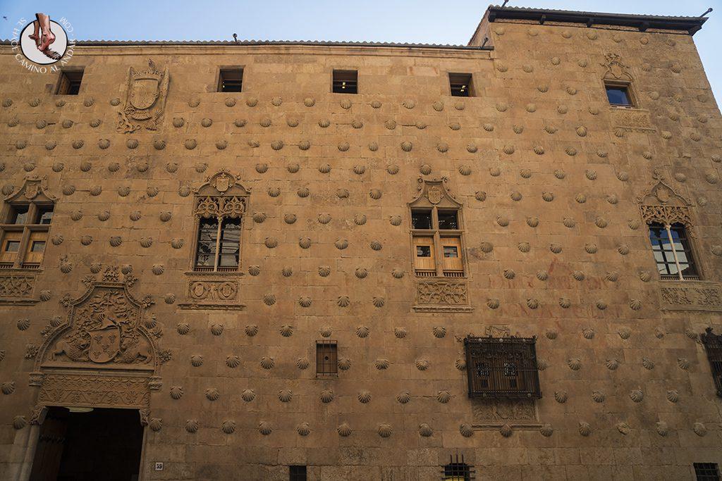 Que ver en Salamanca Casa de las Conchas fachada