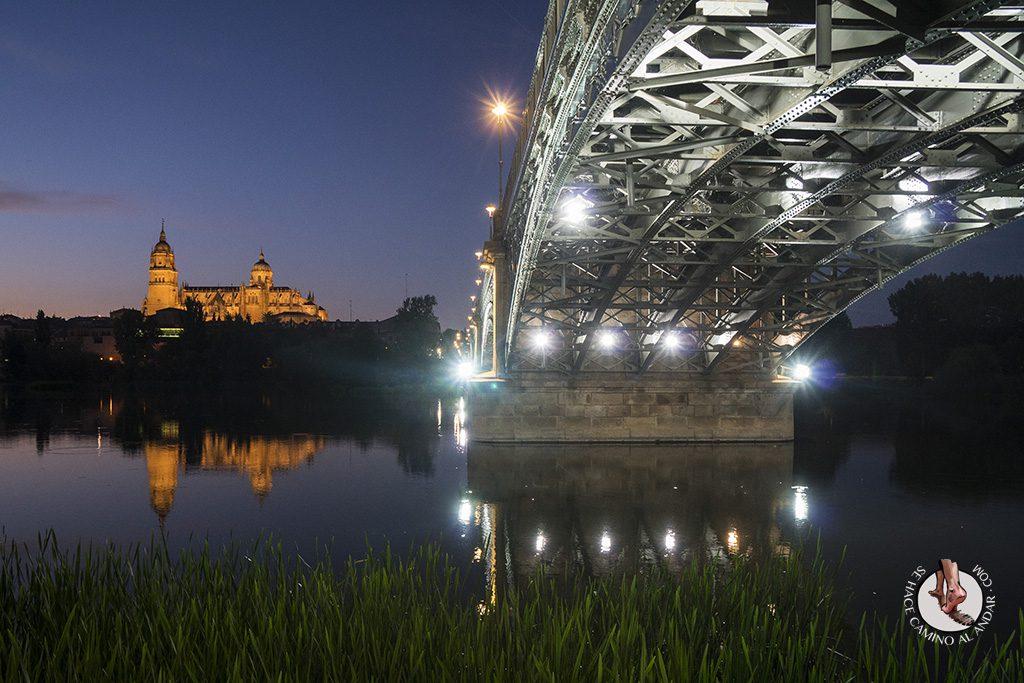 Que ver en Salamanca Puente Enrique Estevan noche