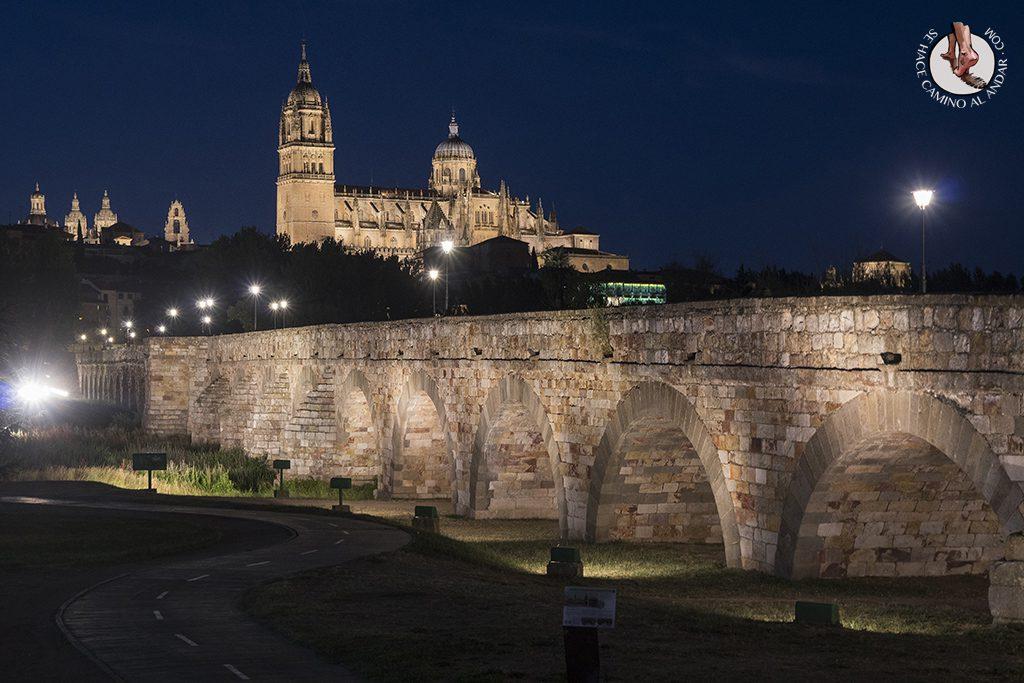 Que ver en Salamanca Puente Romano noche