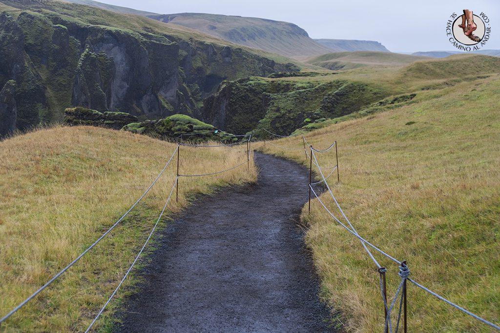 Ring Road 2-7 Fjardarargljufur camino entrada