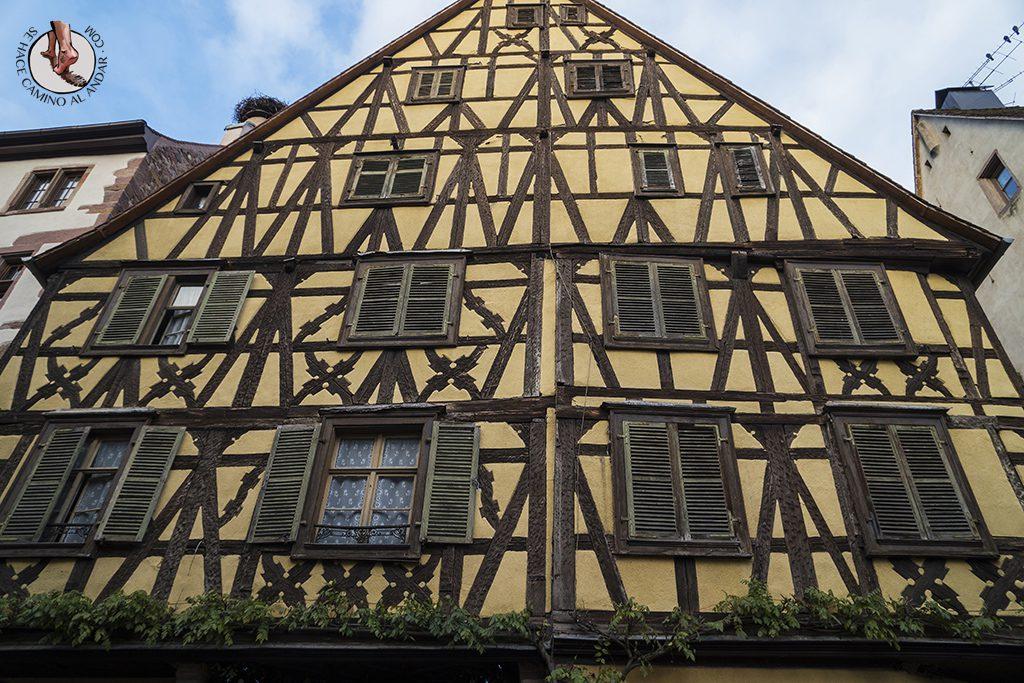 Riquewihr casa antigua madera
