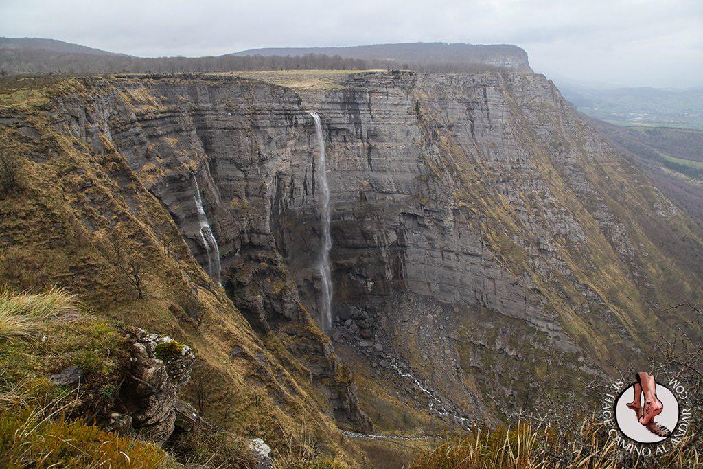 Monte Santiago y El Salto del Nervión