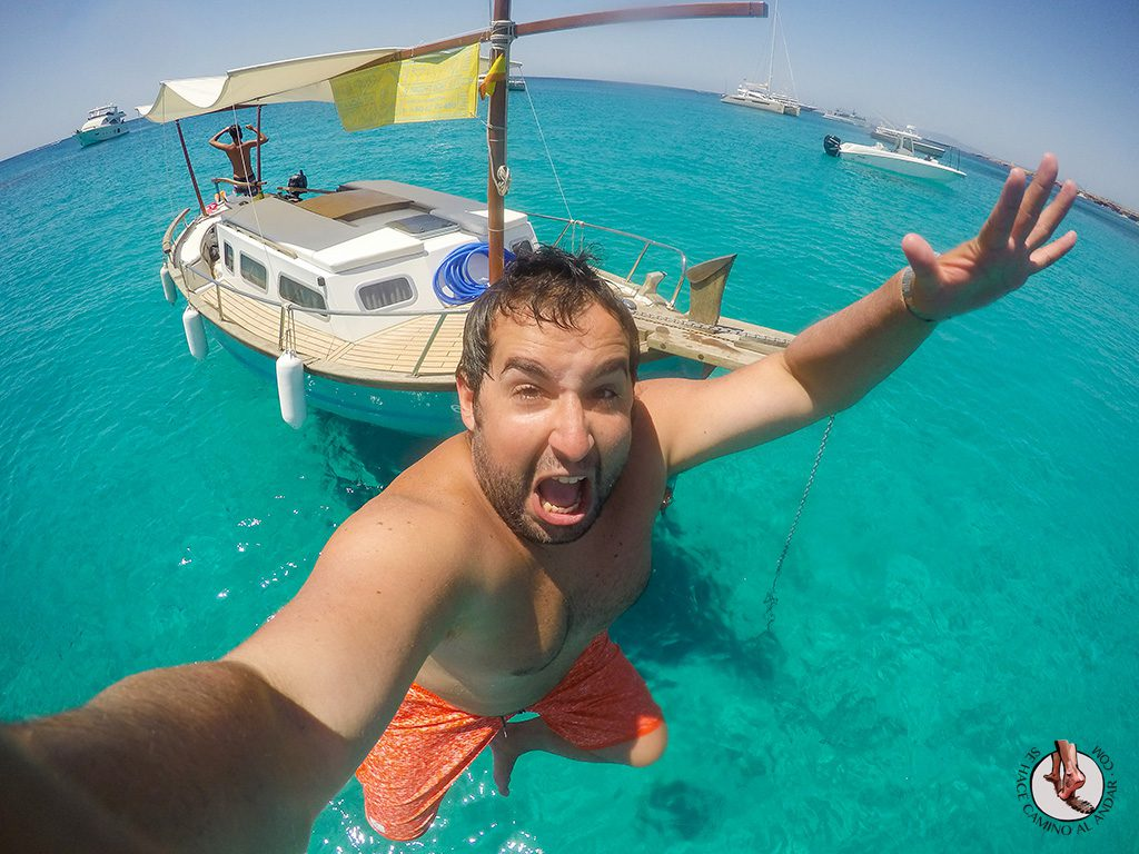 Saltar agua llaut Formentera