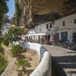 Setenil de las Bodegas, un pueblo incrustado en la roca