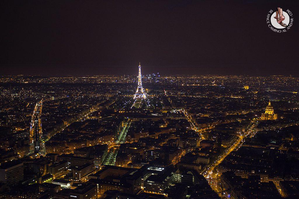 Torre Eiffel Montparnasse noche
