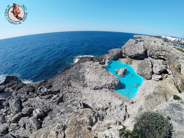 Una-piscina-natural-escondida-entre-las-rocas-de-Mallorca-11