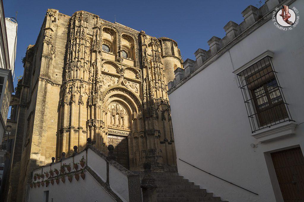 arcos de la frontera iglesia santa maria escaleras