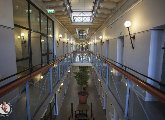 El día que me tocó dormir en una cárcel de Estocolmo