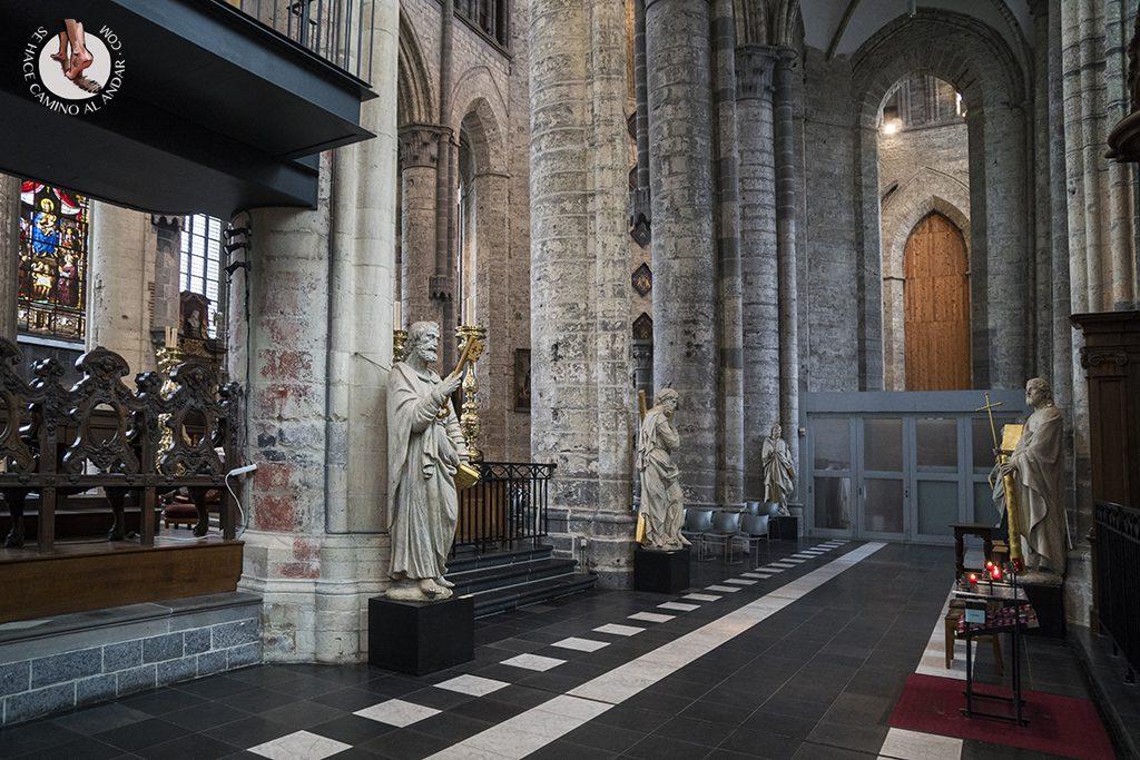 gante iglesia san nicolas escultura pasillo