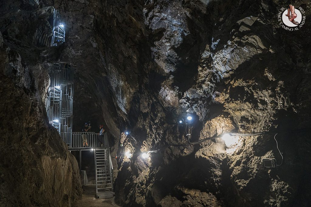 geoda de pulpi escalera acceso planta 3
