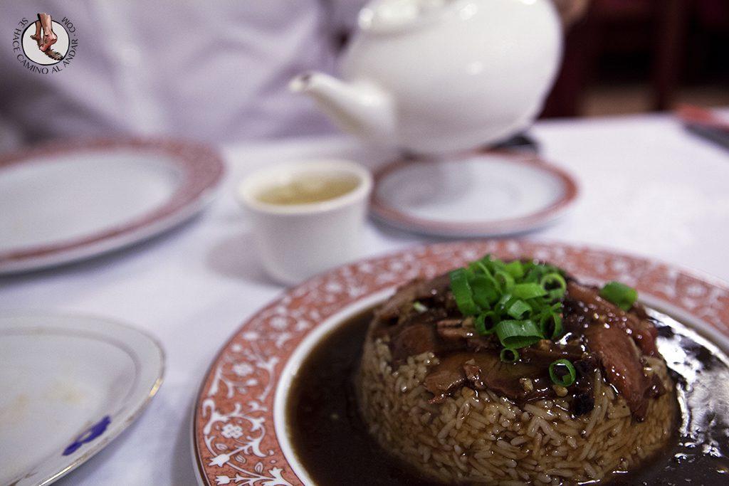 León de oro Bilbao té arroz pato