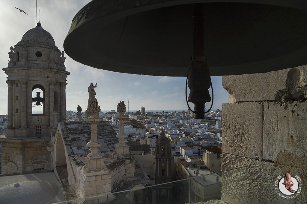 miradores de cadiz torre del reloj catedral campana