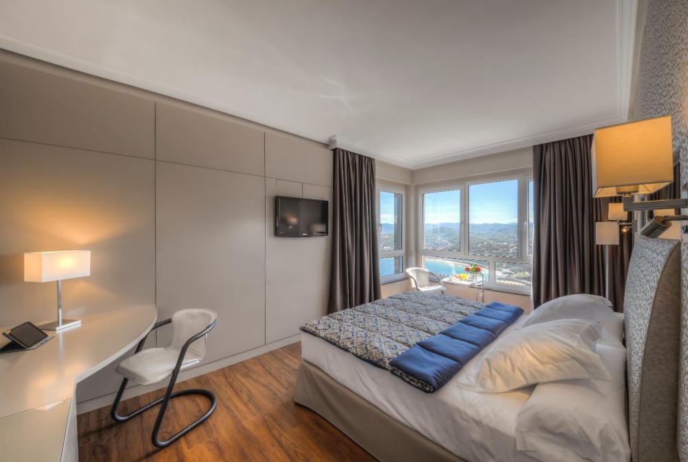 Miradores de San Sebastián Hotel Monte Igeldo habitación