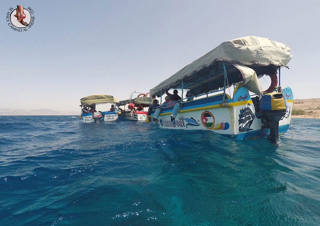 organizar viaje a jordania mar rojo barco fondo cristal