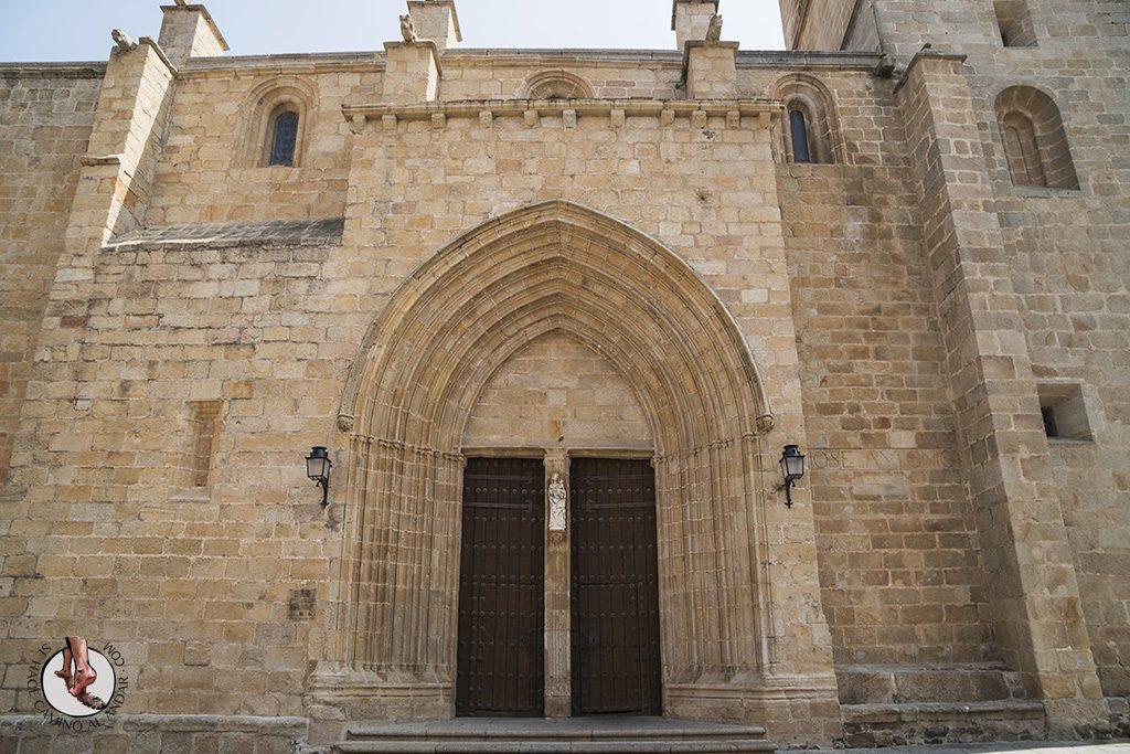 que ver en Caceres Concatedral de Santa Maria puerta