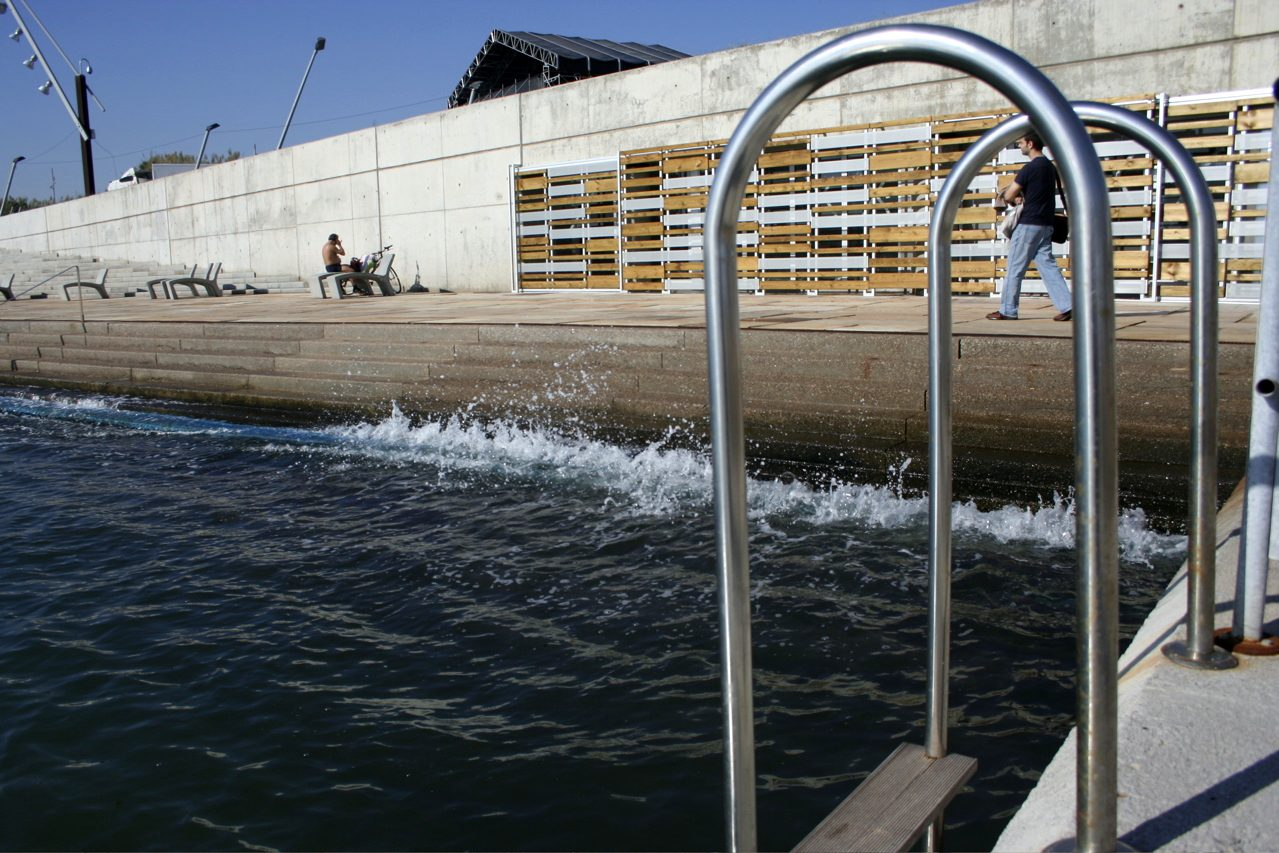 que ver en barcelona piscina forum barcelona