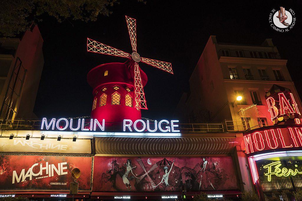 que ver en paris barrio montmartre molin rouge noche