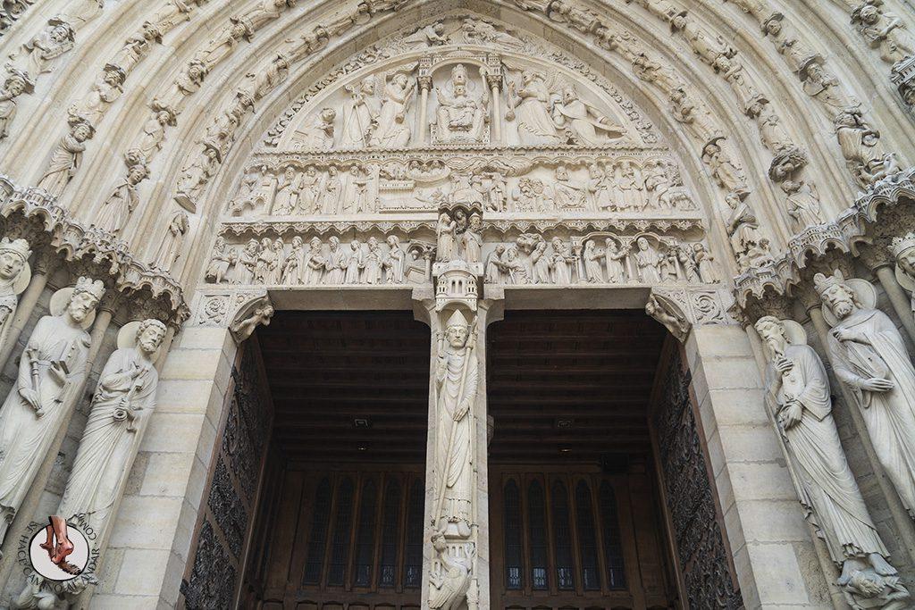 que ver en paris catedral notre dame portada