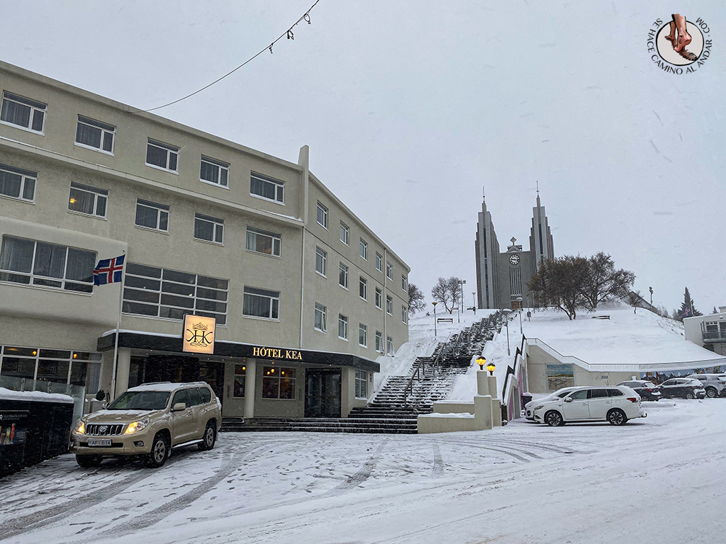 ring-road-6-7-Akureyri-iglesia