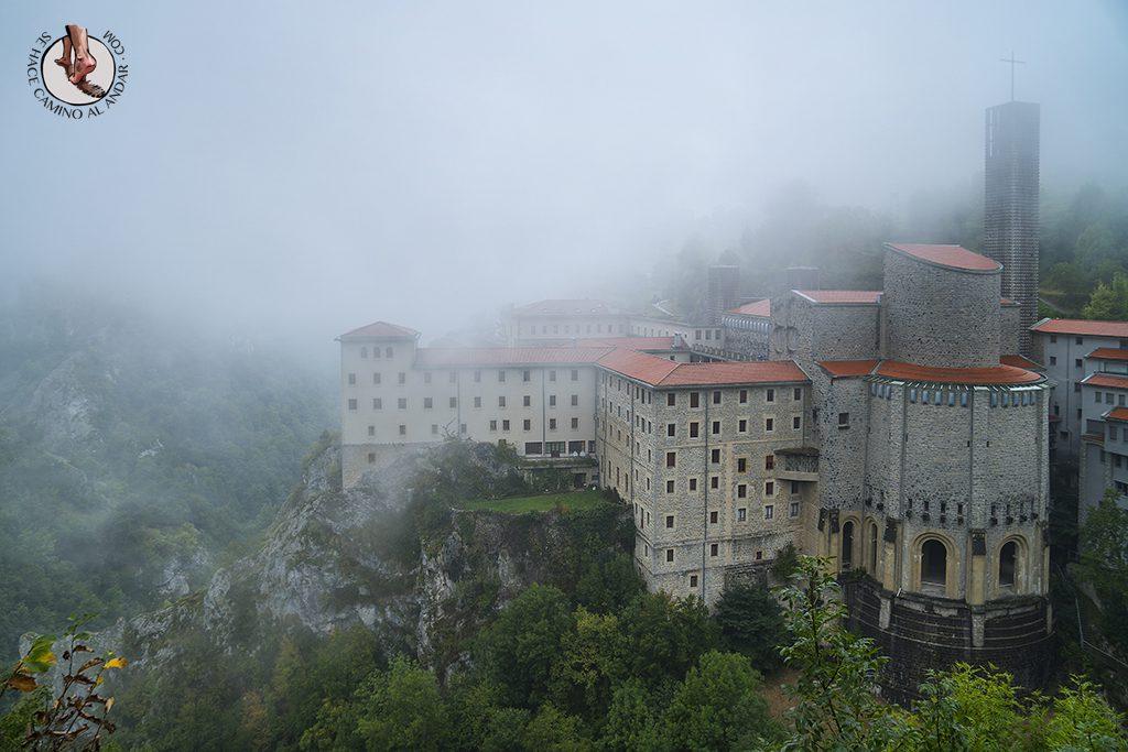 santuario arantzazu niebla